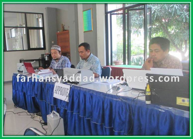 Para OPS SMPN 5 Bogor sedanga melayani Para Pendaftar